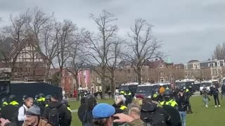 Veterans and police standoff