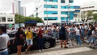 Protesta en el colegio Biffi - Video