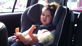 Baby shows off adorable singing skills