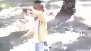 Little kid dancing to a Folk music - Video