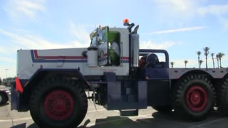 American Heavy Moving Truck - Video