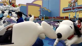 Snoopy flies at Universal Studios in Japan