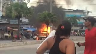 Deafening gas truck explosion in Rio de Janeiro - Video