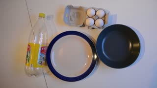 How to separate egg yolk from the white - Video