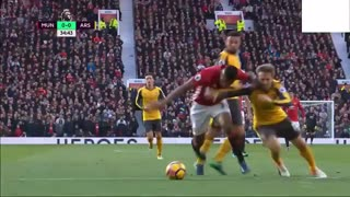 N.Monreal's challenge on Valencia - clear penalty - Video