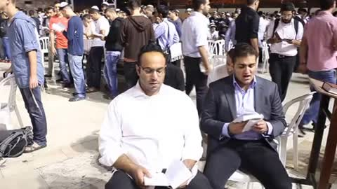 cultures from around the world - Jews pray at the Western Wall Selichot prayers - Episode 13