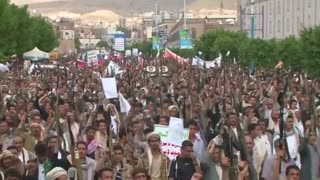 Houthi loyalists stage mass protest in Sanaa - Video
