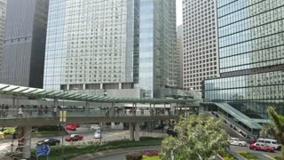 Hong Kong posts steady growth in Q2 - Video