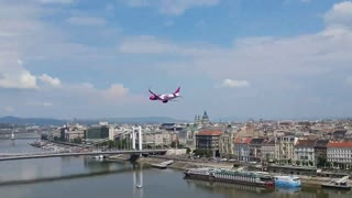Commercial Jet Performs Low Flyby Over Budapest