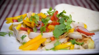 DIY recipes: Simple chicken fajitas - Video
