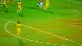 GOAL: Henrikh Mkhitaryan scores after a perfect assist from Ibrahimovic - Video