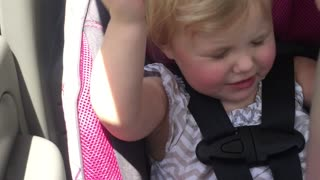 Sweet little girl is really feeling the music! - Video
