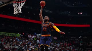 LeBron James Scores off Kyrie Irving Dime, LBJ Dedicates FEROCIOUS Dunk to Michael Phelps - Video