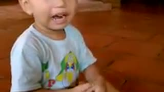 Babay In Armed Struggle Verry Funny  - Video