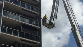 Cat stuck on balcony rescue - Fortitude Valley QFRS - Video
