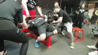 635 lb bench press off chest