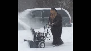 Chewbacca snowblows his driveway on planet kashyyyk - Video