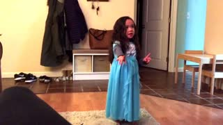Little girl hilariously attempts to lip sync 'Let It Go' - Video