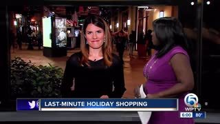 Last minute holiday shopping at Palm Beach Outlets in West Palm Beach - Video