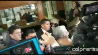 Video: Ingreso de Uribe a la Corte