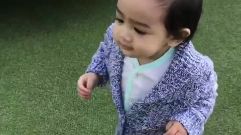 When Kids Learn to Walk - new skills of The Cuteness