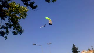 Great parachute jump - Video