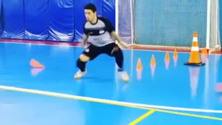 Amazing goalkeeper skills - Video