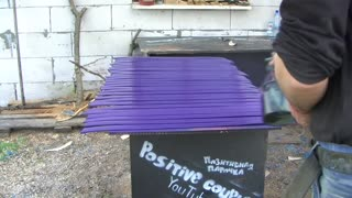 Garden lounger of plastic barrels - Video