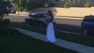 Dad Issues Stern Warning to His Daughter's Prom Date - Video