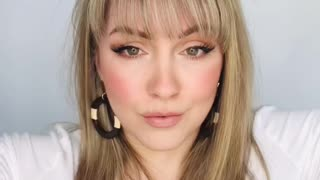 """Learn How To Pull Off The Prefect """"Cat Eye"""" Look"""