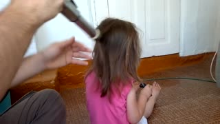 How to make an instant pony tail with a vacuum cleaner - Video