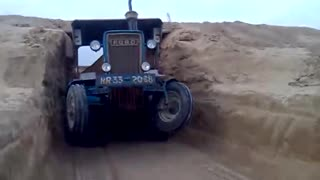 ford tractor  3600  - Video