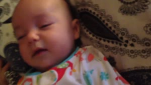 Baby sings along with her dad - Video