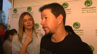 Mark and Donnie Wahlberg expand their burger business - Video
