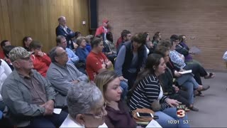 Teacher Spoke Up About Her Issue With Superintendent's Pay Raise at Board Meeting. - Video