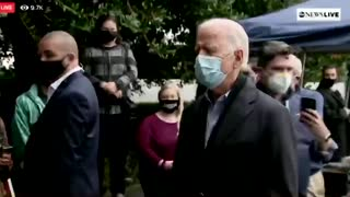 Reporters walk away from bumbling Biden