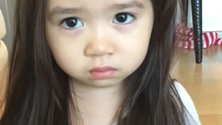 Toddler shows off her acting skills - Video