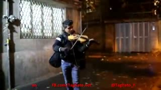 Talented Iranian boy playing violin in the streets of Tehran - Video