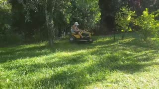 Riding Lawn Mower Fail - Video