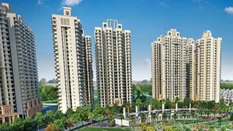 Gaur City 14th Avenue luxury compex Greater Noida West