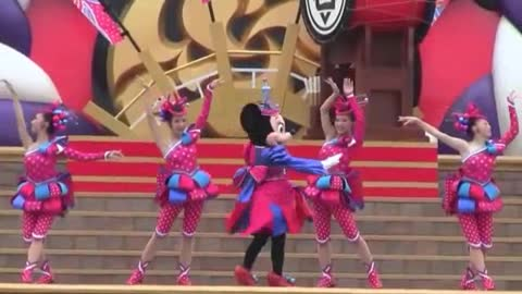 Special Show For Minnie Mouse With Her Ladies On Stage