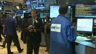 U.S. stocks tumble - Video