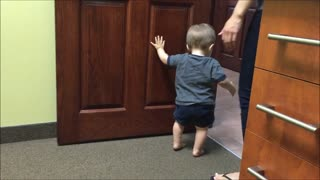 Toddler Won't Run Out Of Things To Say Anytime Soon!  - Video