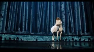 Shania Twain Dances and Sings With her Lovely Horse! - Video
