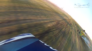 POV: Insane maneuvers from stunt plane - Video