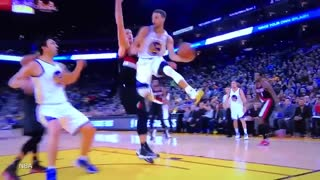 Steph Curry Can't Believe His Own Shot, Looks at His Hands After Switch Hand Reverse Layup - Video