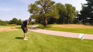 Golfer has counterproductive swings - Video