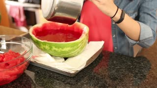 Spice up your summer with this delicious watermelon jello shots recipe - Video