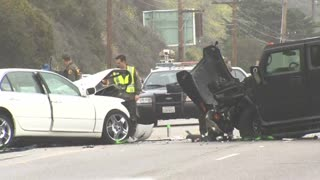 Reality TV star Bruce Jenner involved in serious crash - Video