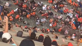 Houston Astros Fans Return Dropped Hat - Video